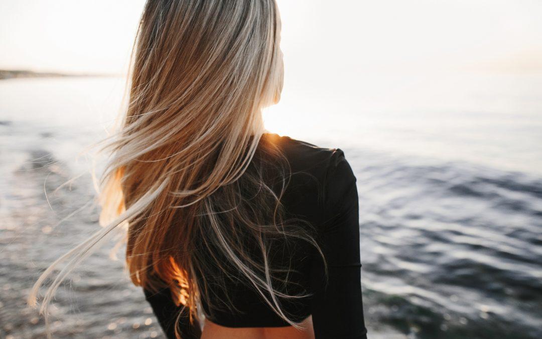 Cuidados para recuperar tu cabello después verano